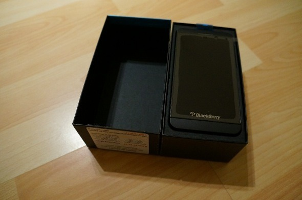 Blackberry z10 Box Opened